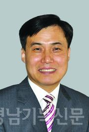 박봉석 목사 최근 수정.jpg